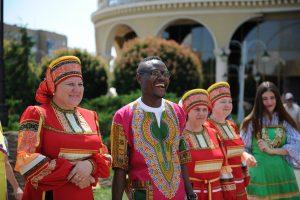 Африканцам в Курске жарко