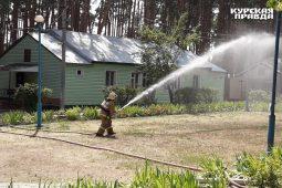 Мэр Курска проверяет пожарную безопасность в детских лагерях