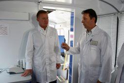 Роман Старовойт посетил районную больницу в Медвенском районе