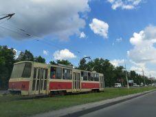 В Железнодорожном округе Курска утром загорелся трамвай