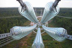 На магистральных ЛЭП Курской области установили стеклянные изоляторы