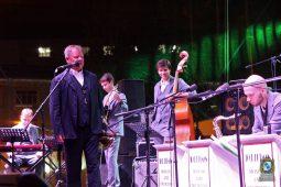 Джазовый оркестр Игоря Бутмана дал в Курске бесплатный концер