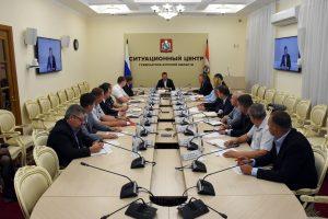 Роман Старовойт провел совещание по уборке зерновых в Курской области