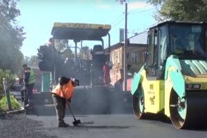 В Курске завершается асфальтирование улицы Большевиков