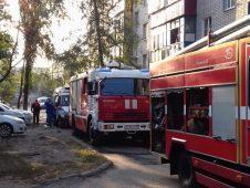 В Курске пожарные спасли четырех человек
