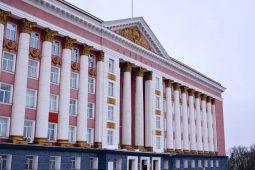 Роман Старовойт отчитал курских чиновников