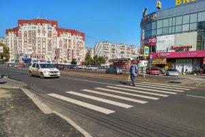 На улице Хрущева в Курске перенесли пешеходный переход