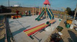 На улице Энгельса в Курске появилась новая детская площадка