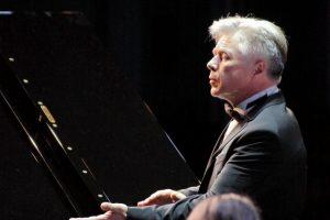 В Курске Губернаторский оркестр открыл новый концертный сезон (видео)