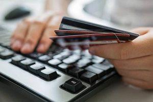 За выходные куряне отдали мошенниками почти 200 тысяч рублей
