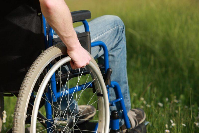 В Курской области для инвалидов-колясочников приобретут спецтранспорт