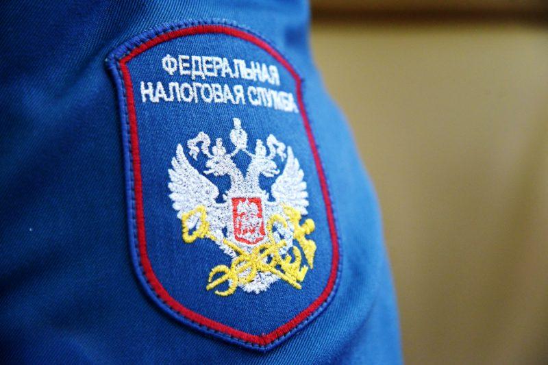 Курянка задолжала судебным приставам почти 100 тысяч рублей