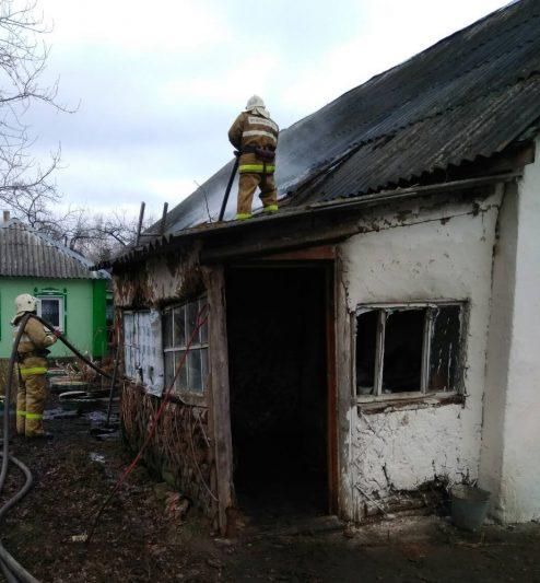 Курская область: в жилом доме сгорела крыша