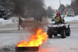Курские спасатели отметят профессиональный праздник выставкой пожарной техники