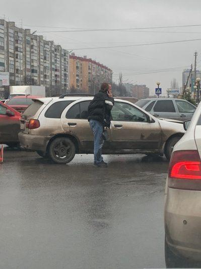 Курского «дорожного санитара» избили после ДТП