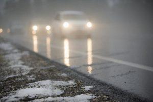 Курян предупреждают о тумане и гололедице на дорогах