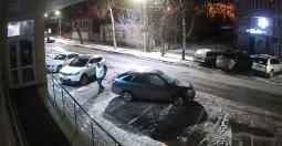 Полиция разыскивает курянина, вскрывшего чужой автомобиль