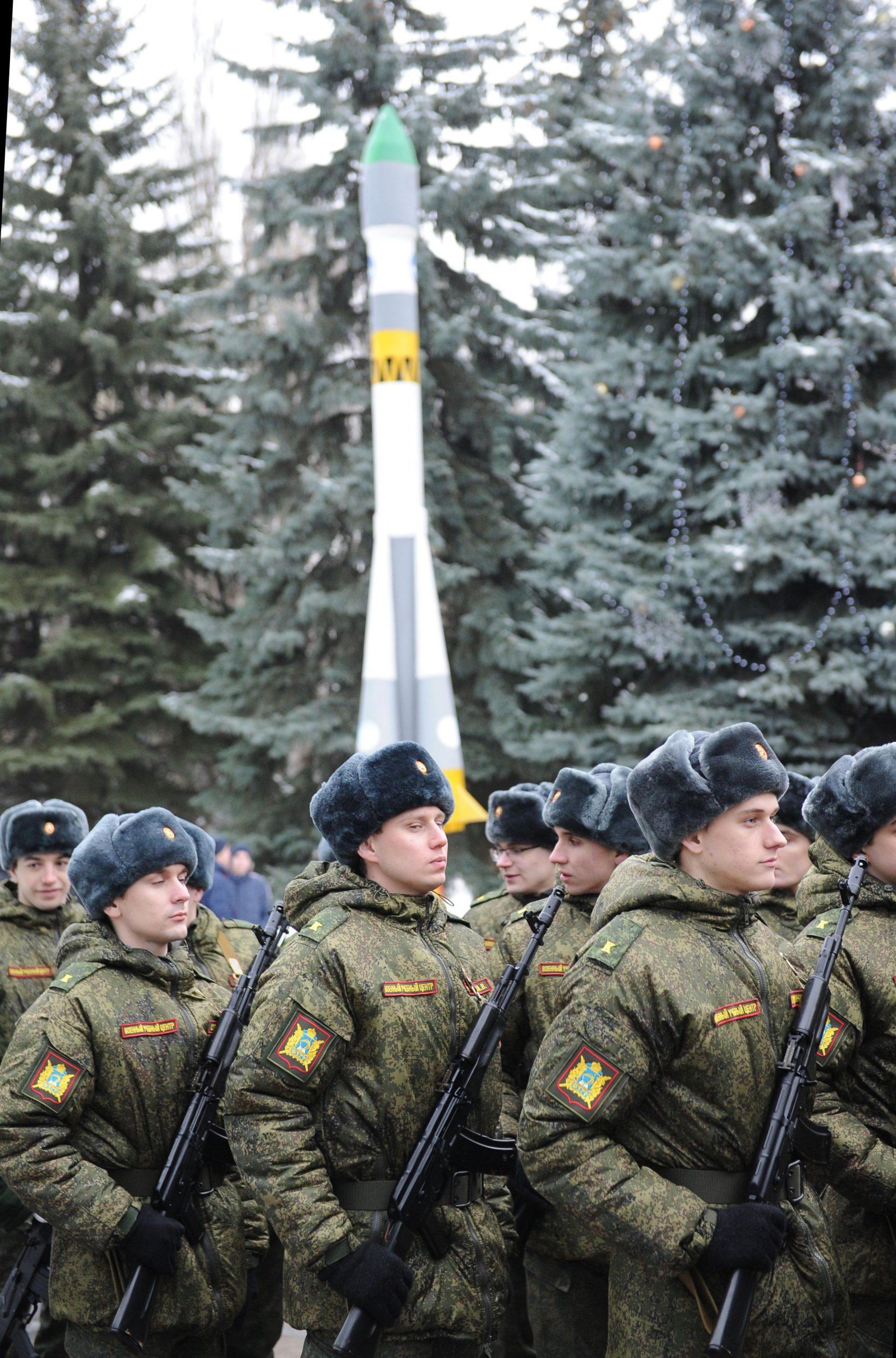 Работа для девушек в военной части курск искать работу в кокшетау для девушек
