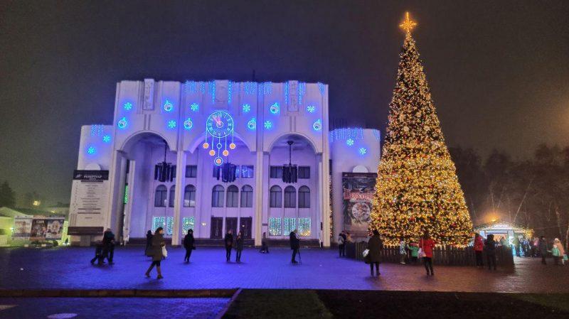 Театральная площадь в Курске будет украшена до 1 февраля