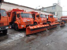 В Курске перед снегопадом готовят спецтехнику