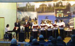 В курской колонии выступил православный хор