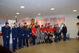 Курские школьники и следователи почтили память Черняховского