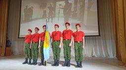 Курские школьники демонстрируют навыки военного дела