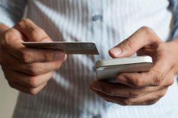 Двое курян отдали телефонным мошенникам более 200 тысяч рублей