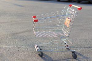 Курянин сдавал тележки из супермаркета в металлолом