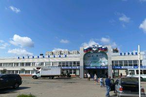 В Курске пассажирские автобусы ездили с разными шинами