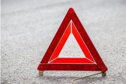 В Курской области пьяный водитель мопеда врезался в иномарку