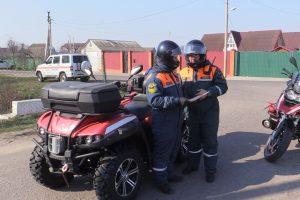 Пожарную обстановку контролируют спасатели на мототехнике