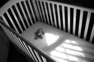 Убила ребенка