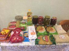 Курские полицейские обеспечили продуктами семью одинокой мамы