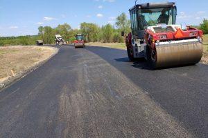 В поселке имени  Карла Либкнехта продолжается строительство новой дороги