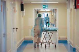 В Курской области от коронавируса скончался пожилой мужчина