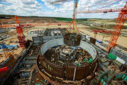 На Курской АЭС-2 установили каркас шахты реактора