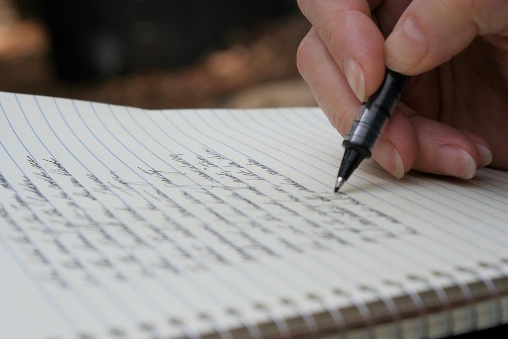 картинка лист бумаги и бумага исписанная первых осадков