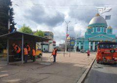 В Курске дезинфицируют остановки общественного транспорта