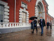 Роман Старовойт без предупреждения посетил железнодорожный вокзал