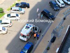 В Курске мужчина выпал с балкона 8 этажа