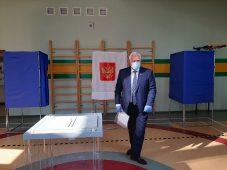Председатель Курской областной Думы стал участником голосования
