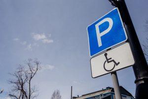 Курская прокуратура добилась создания парковочных мест для инвалидов
