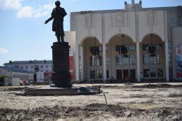 Благоустройство Театральной площади в Курске завершат в августе