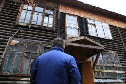 Людей из 64-х аварийный домов в Курской области переселят