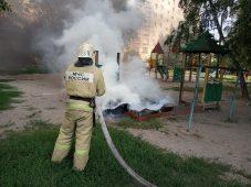 В Курске подожгли детскую площадку