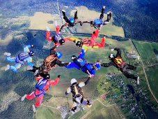 Курский парашютист установил рекорд России