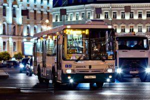 Куряне ждут ночной автобус