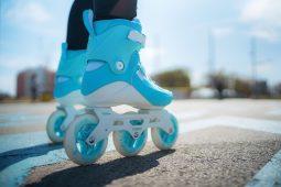Юных курян приглашают в школу фигурного катания на роликовых коньках