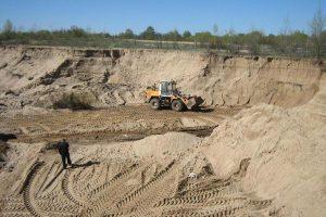 Жителя Курской области поймали на незаконной разработке карьера